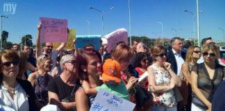 La manifestazione di protesta di oggi davanti all'Ospedale San Timoteo di Termoli (VIDEO IN DIRETTA)