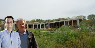 Ceccarelli e Galasso: sullo sfondo i lavori alla Cava
