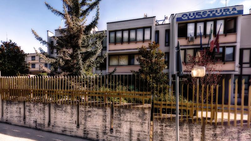 Questura Campobasso consegna 61 permessi soggiorno a ...