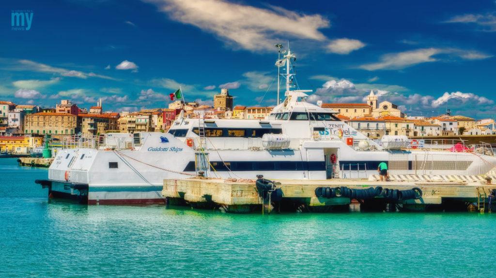 Catamarano Zenit
